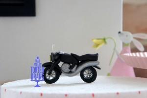 Motorrad aus Modellierfondant