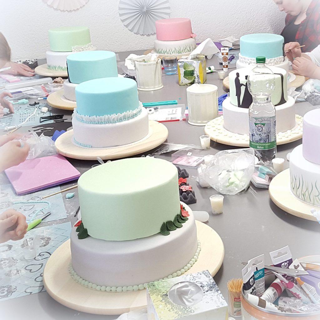 Tortenkurs mehrstöckige Torte Hochzeitstorte kurs Kaiserslautern